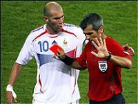Rött kort fotboll regler